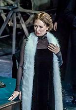 """Нонна Гришаева в спектакле""""Чайка"""". Фото Ольги Бобковой"""