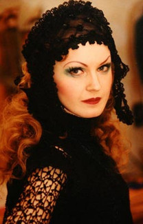 Елена Сотникова. Фотография спектакля «Чудо святого Антония», 1999 год