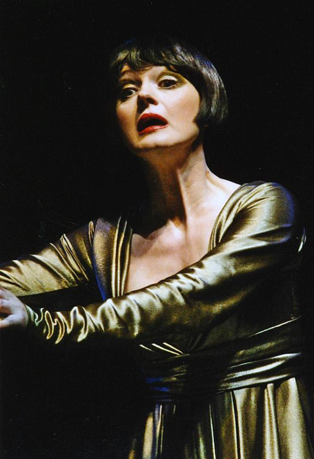 Елена Сотникова. Фотография спектакля «Калигула», 2004 год