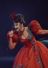 Марина Есипенко. Фотография спектакля «Соломенная шляпка», 2020 год