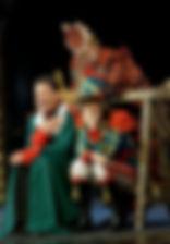 Александр Олешко, Мария Аронова и Евгения Крегжде в спектакле «Мадемуазель Нитуш»