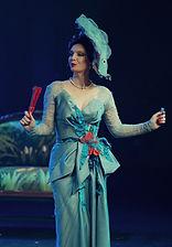 Лидия Вележева в спектакле «Соломенная шляпка», фото Яны Овчинниковой