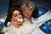 Андрей Ильин и Илья Бледный в спектакле «Карнавальная ночь» (венецианская комедия)