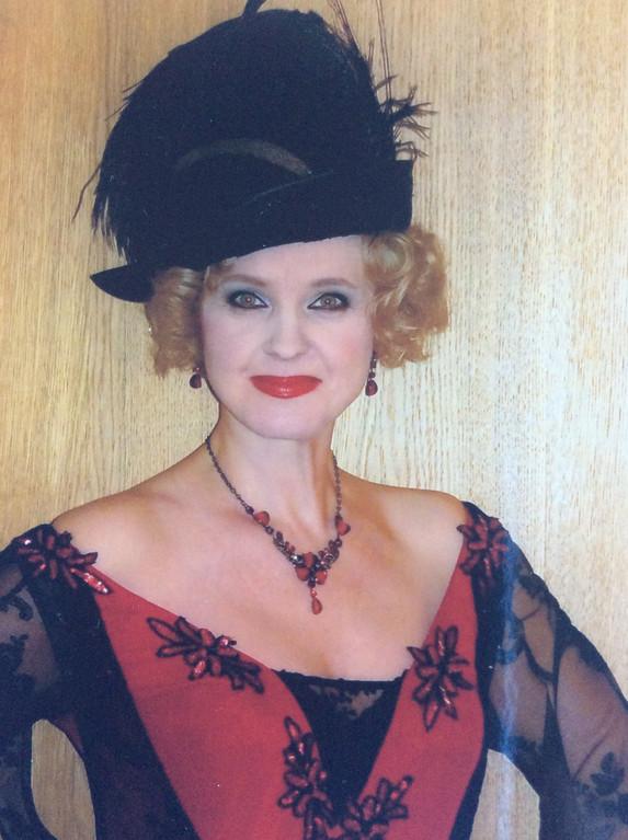 Елена Сотникова. Фотография из закулисья из личного архива