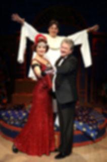 Андрей Ильин, Ольга Кабо и Илья Бледный в спектакле «Карнавальная ночь» (венецианская комедия)