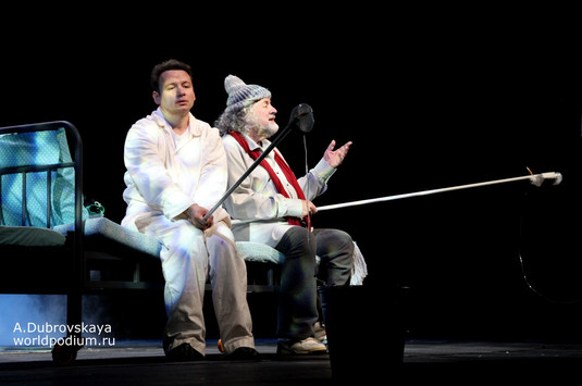 """Александр Олешко в спектакле """"Где мы?∞!..."""". Фото: Александра Дубровская"""