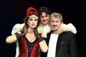 Ольга Кабо и Андрей Ильин и Илья Бледный в спектакле «Карнавальная ночь» (венецианская комедия)