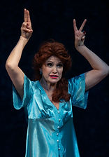 Ольга Кабо в спектакле «Карнавальная ночь» (венецианская комедия), фото Елизаветы Бузовой