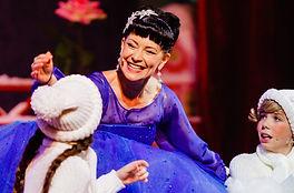 Нонна Гришаева. Фотография спектакля «Леди Совершенство»