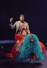 Леонид Бичевин и Марина Есипенко в спектакле «Соломенная шляпка», фото Яны Овчинниковой