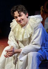 Илья Бледный в спектакле «Карнавальная ночь» (венецианская комедия), фото Натальи Бухониной