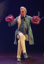 Владислав Демченко в спектакле «Соломенная шляпка», фото Яны Овчинниковой
