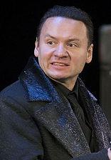 Александр Олешко в спектакле «Возьмите зонт, мадам Готье!»