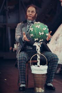 Александр Рыщенков. Фотография спектакля «Соломенная шляпка»