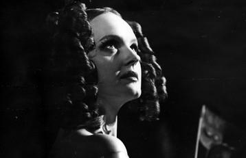 Елена Сотникова. Фотография спектакля «Пиковая дама», 1996 год