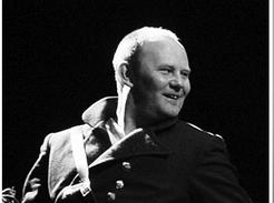 Михаил Васьков. Фотография спектакля «Король - олень»