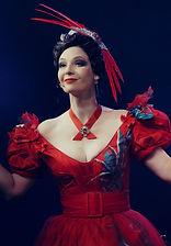 Лидия Вележева. Фотография спектакля «Соломенная шляпка», 2020 год