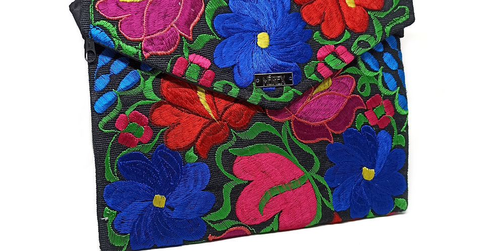 Handmade Embroidered Chiapas Clutch