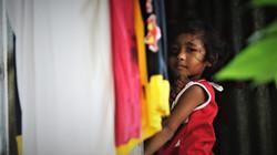 enfant birmane des bidonvilles