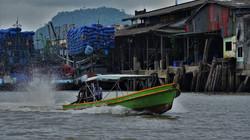 bateau_sur_l'eau_coloré_