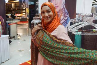 Ziana Zain Lancar Koleksi Terbaru Gee Shawl di Jameela Street SACC Mall