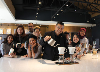 STARBUCKS OPENED THE FIRST EVER RESERVE™ DRIVE-THRU IN SETIA ALAM
