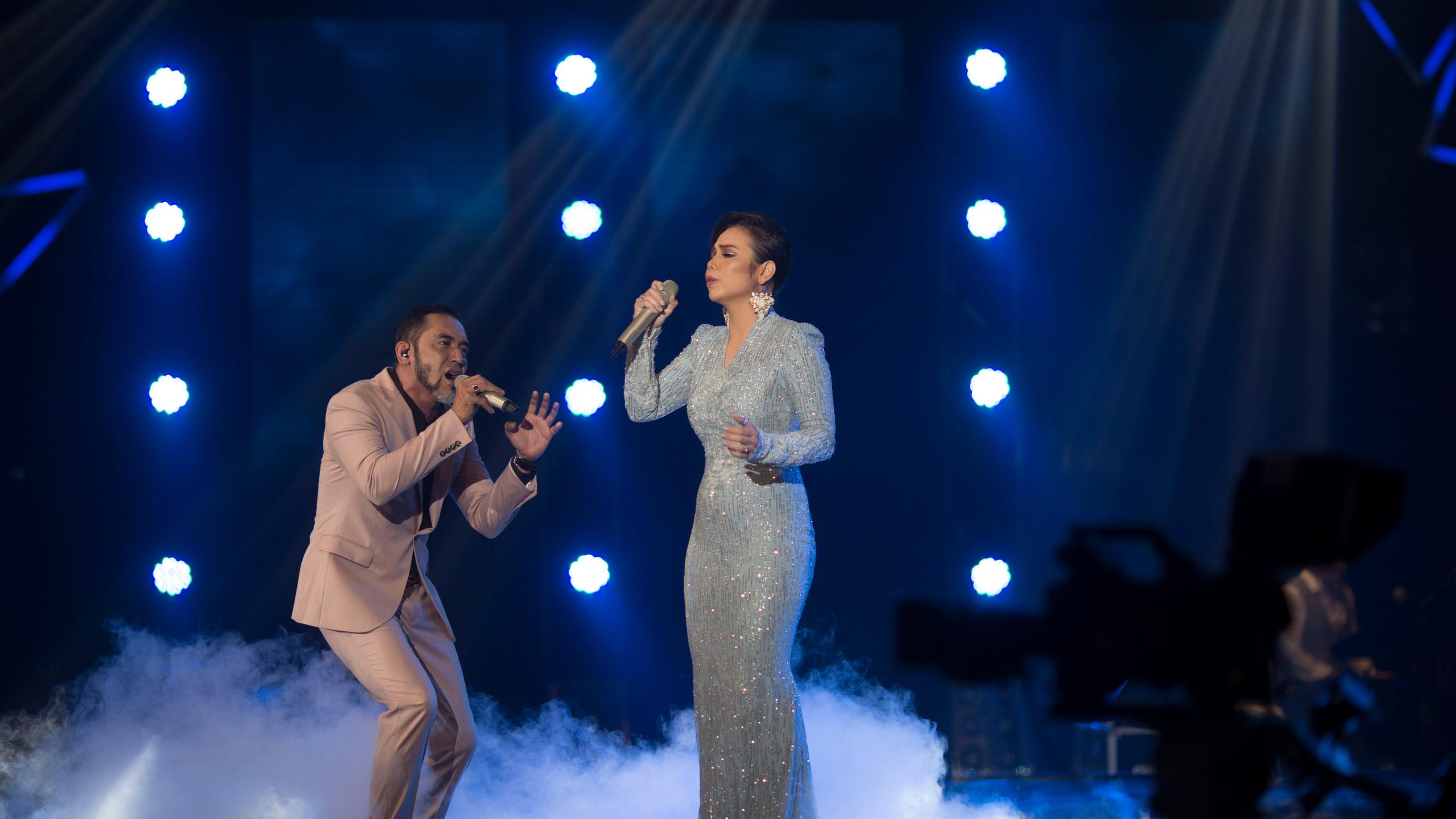 AJ dan Faradhiya