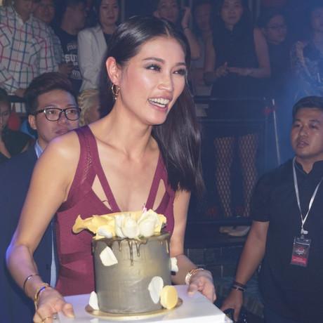 Amber Chia Terima Kejutan Sempena Ulang Tahun ke 35