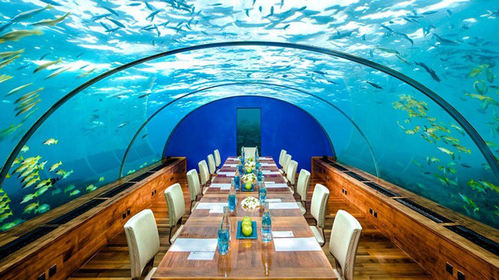 03 Sunken Aquarium with Restaurant