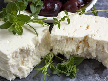В Украине собираются переименовать сыр фета