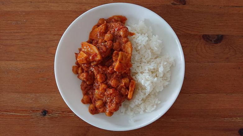めぐ radhika kitchen1.JPG