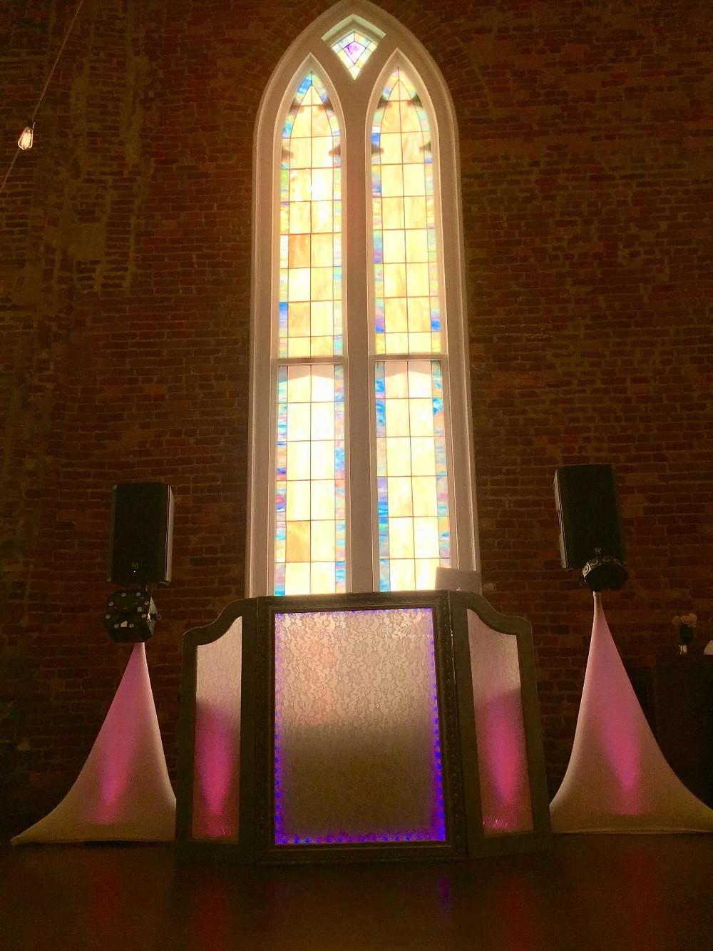 Wedding DJ Facade