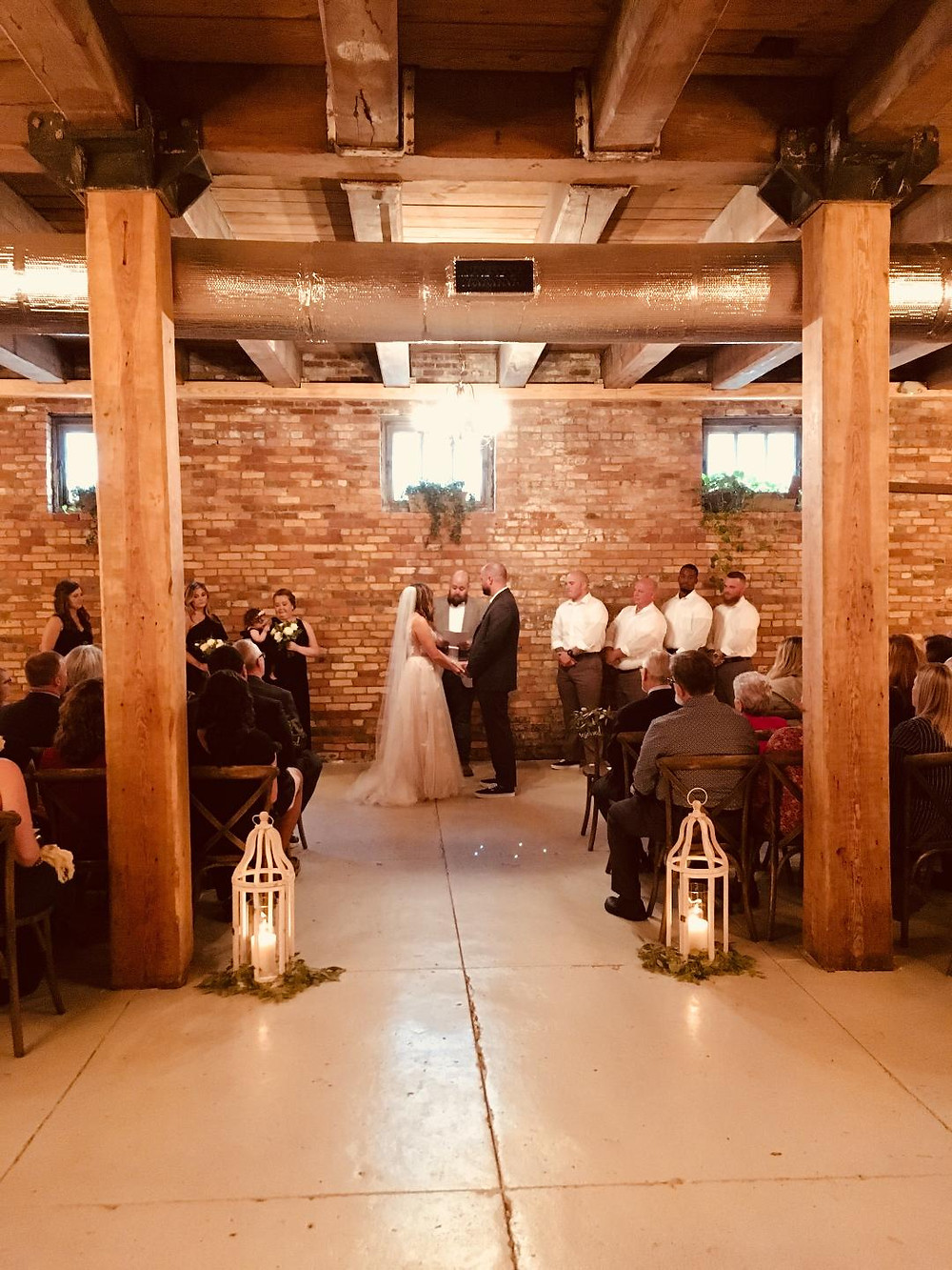 Bride and Groom say their vows in downtown Wilmington wedding venue