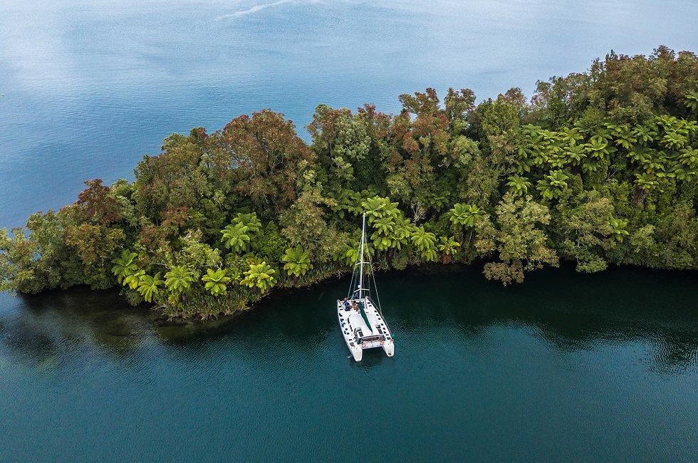 Yacht-peninsular-.jpg