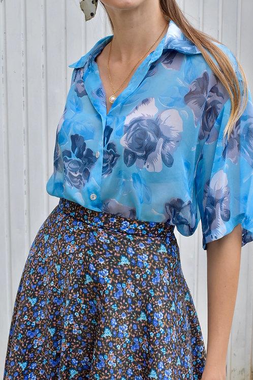 Blue blouse - Lovely field