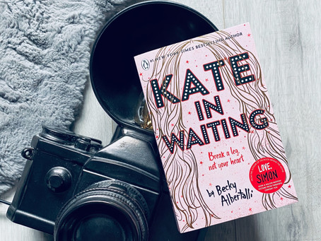 Review: Kate in Waiting by Becky Albertalli (Bookstagram Tour)