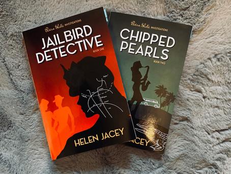 Chipped Pearls (Elvira Slate Investigations) - Helen Jacey (ARC)