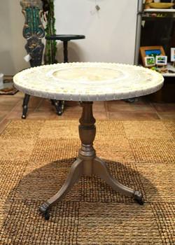 Mosaic table, White peacock