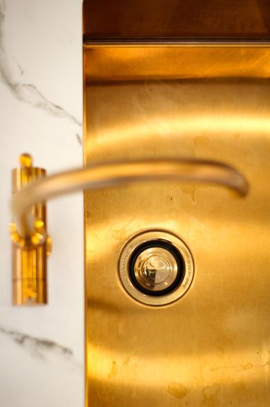 Brushed Bronze sink + hot tap