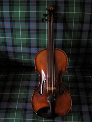 13a Perth violin 1957.jpg