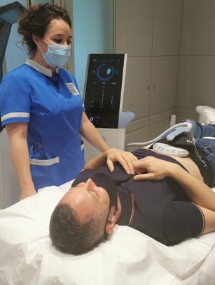 J'ai testé l'EMSculpt sur le ventre, mon bilan avant / après