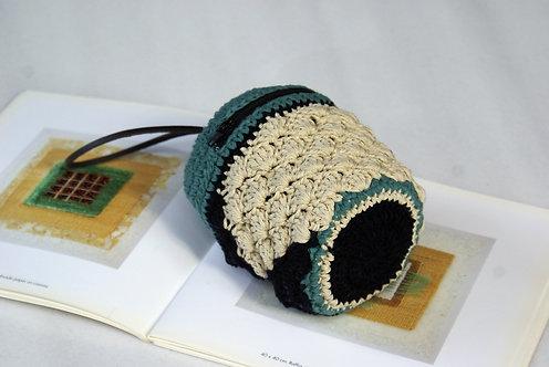 Crochet Zipper Pouch back view