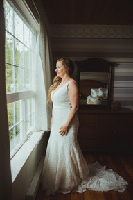 Bride getting ready at her Telegraph Cove Wedding with Campbell River Wedding Photographer
