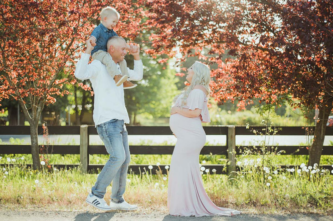 Maternity Photos in Campbell River, BC