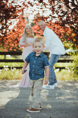Maternity Photography in Campbell River, BC with Family