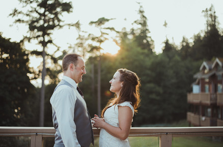 Campbell River Wedding Photographer sharing why brides and grooms should do a first look before the ceremony