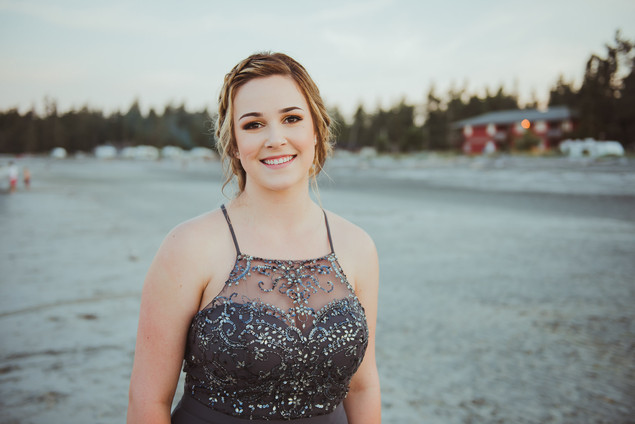 Campbell River Graduation and Prom Photos Headshots