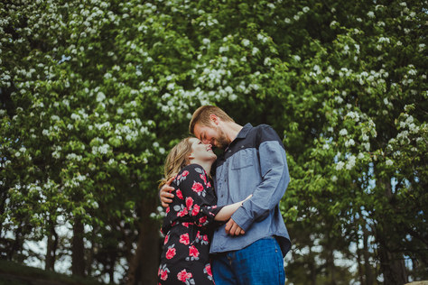 Vancouver Island Wedding Photographer taking Engagement Photos