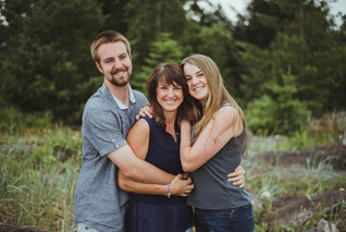 Campbell River Family Photoshoot Outfit Ideas