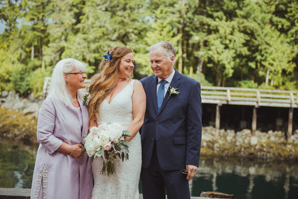 Wedding Photos with Family at Telegraph Cove Wedding with Campbell River BC Wedding Photographer. I photographed bride with her mom and dad.